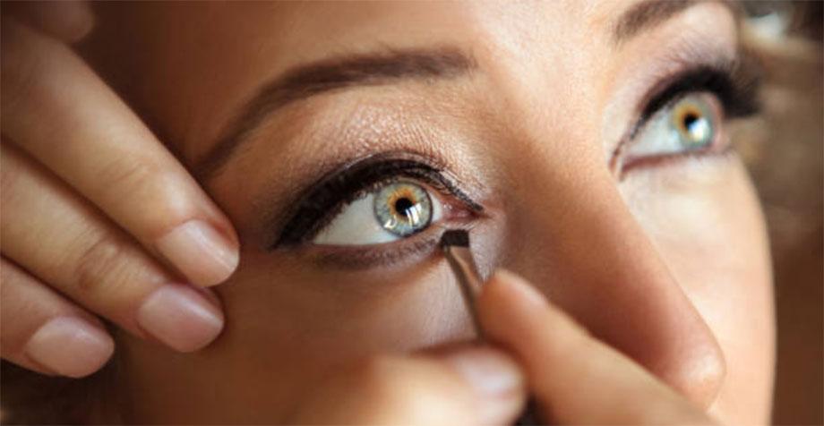 Come lavare il pennello da eyeliner